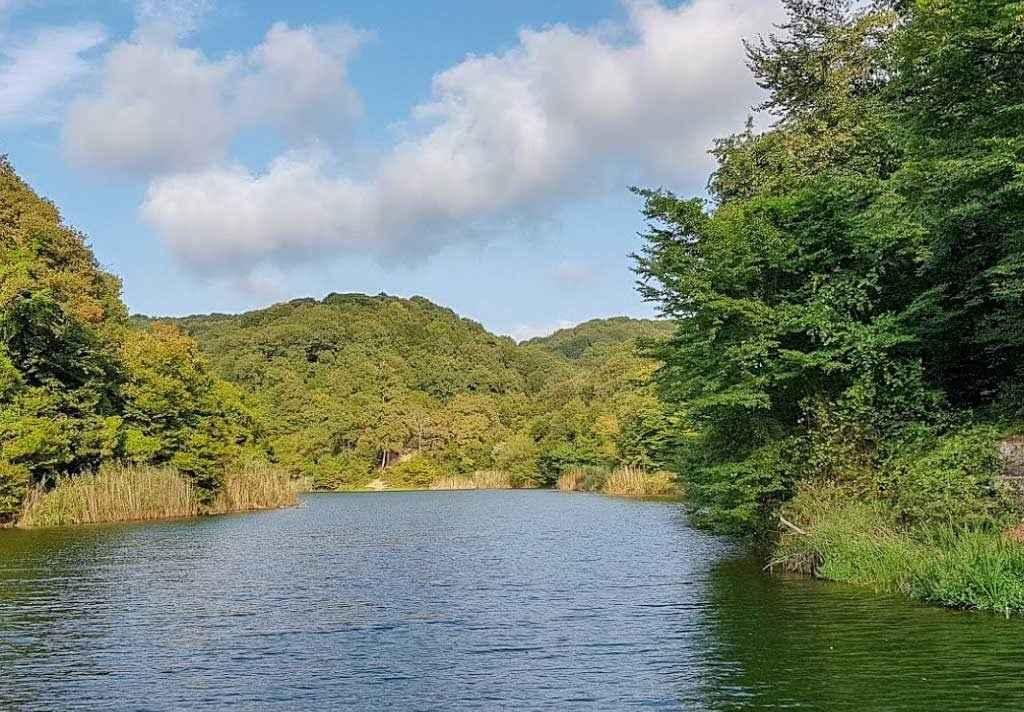 Belgrad ormanı içerisinde bulunan göllerden birisi.
